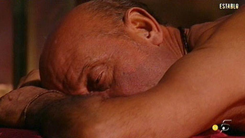 Alia, la hija de Mª Ángeles, les trae de regalo unos relajantes masajes