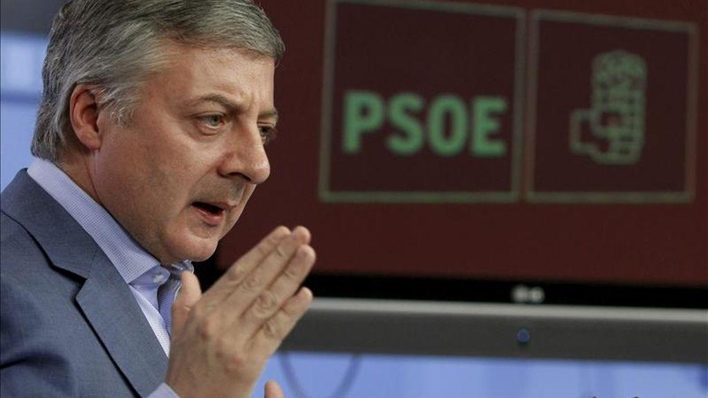 El vicesecretario general del PSOE, José Blanco, durante una rueda de prensa hoy en Madrid. EFE/Archivo