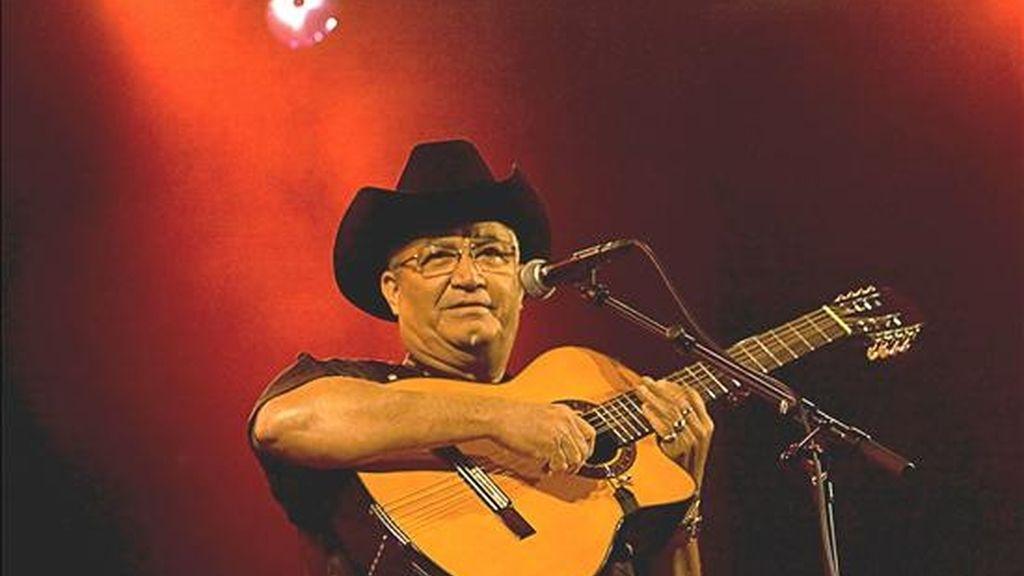 El compositor, guitarrista y cantante cubano Elíades Ochoa. EFE/Archivo