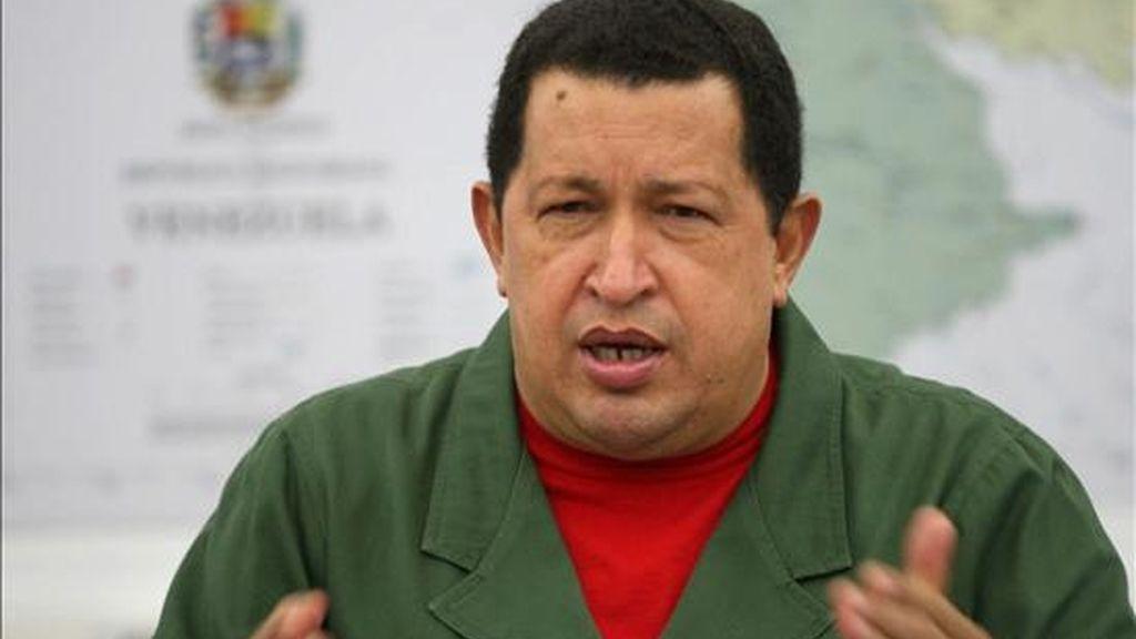 El presidente venezolano, Hugo Chávez, el 29 de noviembre de 2010, durante un consejo de ministros transmitido por la televisión estatal. EFE/Archivo