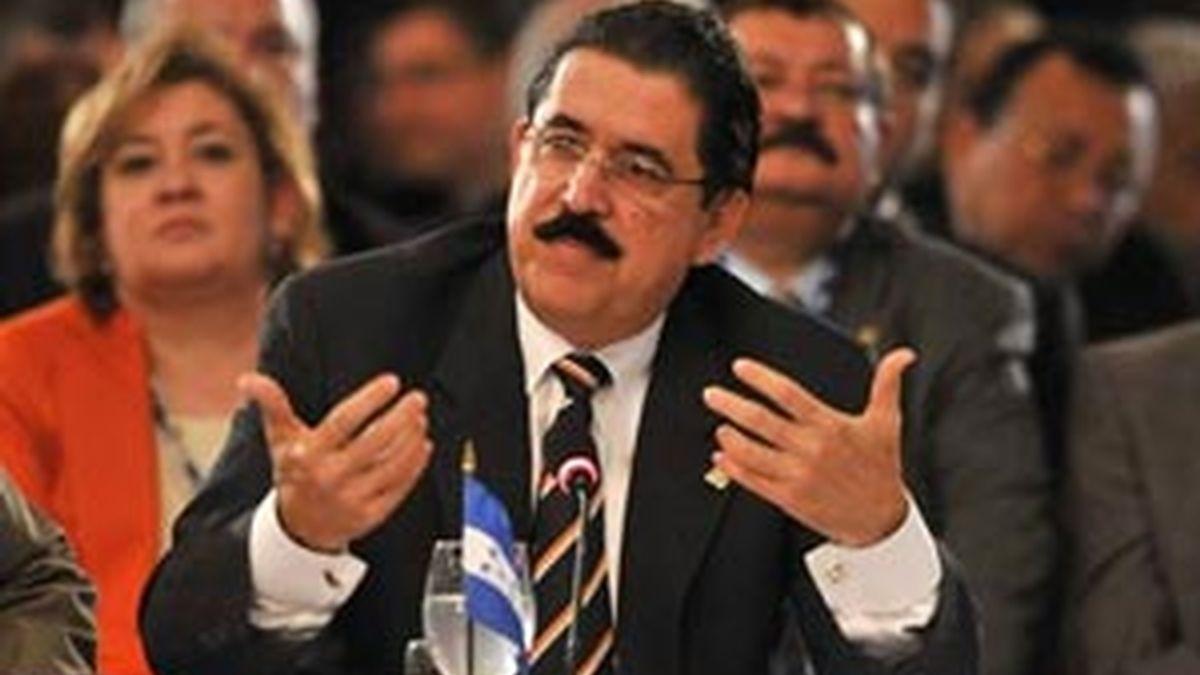 """Zelaya señaló no querer dar más información para que el acto de la toma de posesión de Martinelli sea """"la noticia"""". EFE/Archivo"""