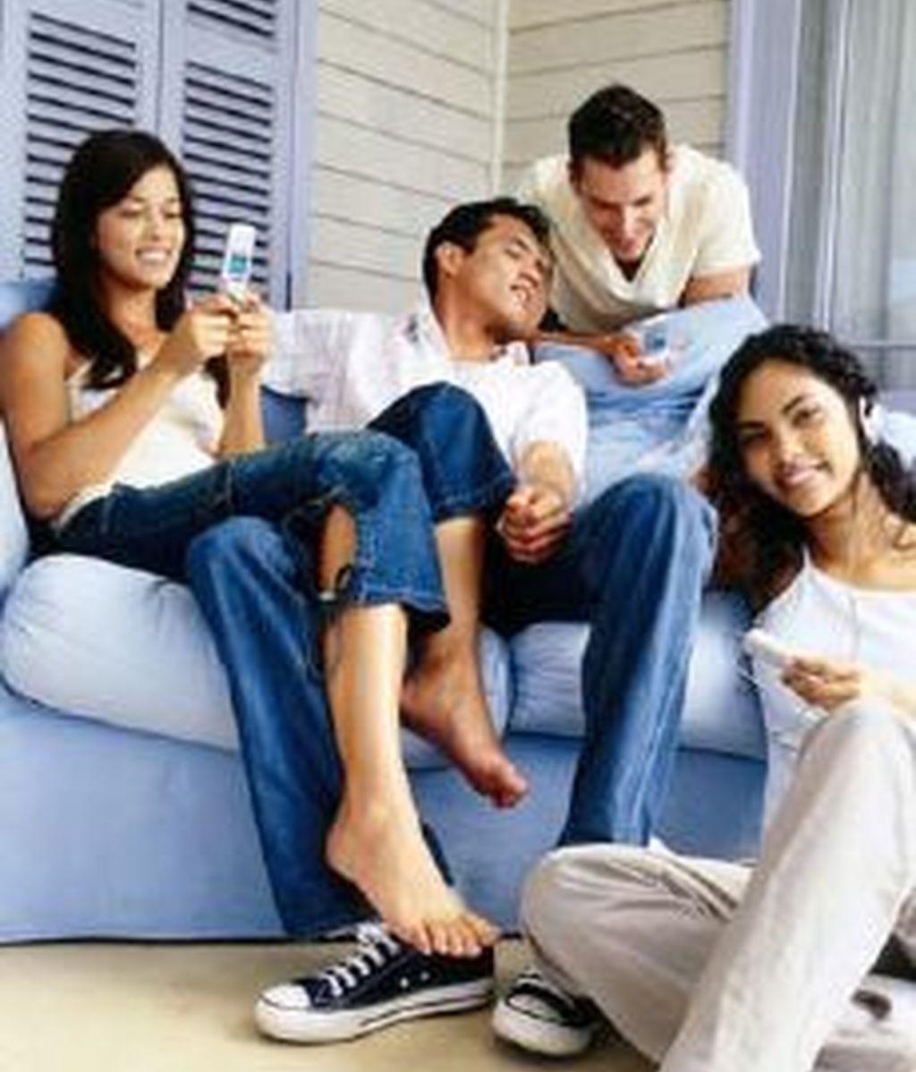 Las nuevas tecnologías provocan una dependencia similar a las de las drogas. Cuatro de cada cinco jóvenes sufren síndrome de abstinencia si carecen de móvil. Foto archivo