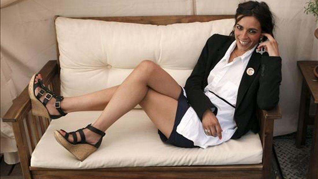 """La cantante María Nieves Rebolledo, más conocida como """"Bebe"""", vuelve al panorama musical, cinco años después de su disco de debut """"Pafuera telarañas"""" con """"Y."""", un álbum que saldrá a la venta el martes y con el que la artista ha querido """"empezar de nuevo en todos los sentidos"""", según confesó en una entrevista con Efe. EFE"""