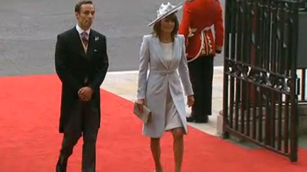 Carole Middleton y James Middleton, madre y hermano de la novia
