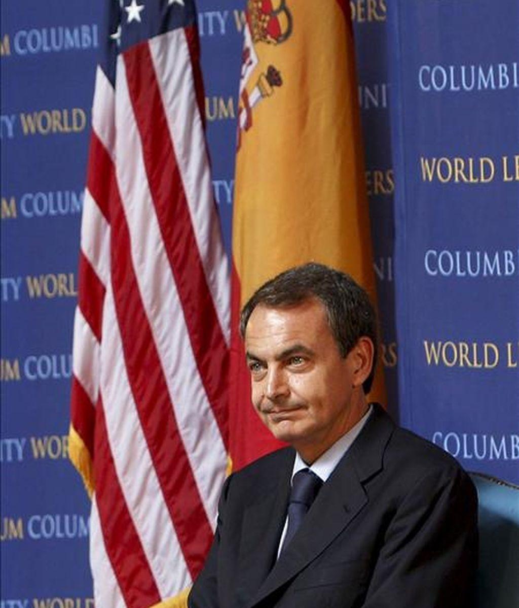 El presidente del Gobierno español, José Luis Rodríguez Zapatero, durante la conferencia que pronunció este martes en la Universidad de Columbia centrada en la crisis económica y los Objetivos de Desarrollo del Milenio. EFE