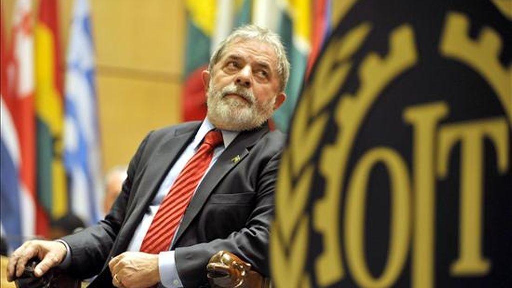 El presidente brasileño, Luiz Inacio Lula da Silva, se prepara para ofrecer un discurso durante la sesión número 98 de la Cumbre Mundial por el Empleo que tiene lugar hoy lunes 15 de junio en el marco de la Conferencia Internacional del Trabajo en Ginebra, Suiza. EFE/Sandro Campardo