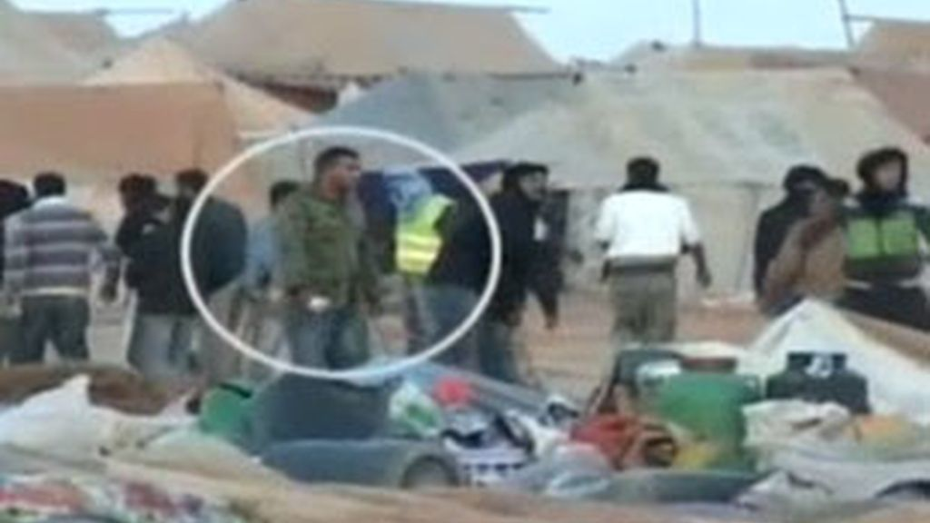 Marruecos trata de mostrar una cara amable mientras el caos se apodera de las calles. Vídeo: Informativos Telecinco.