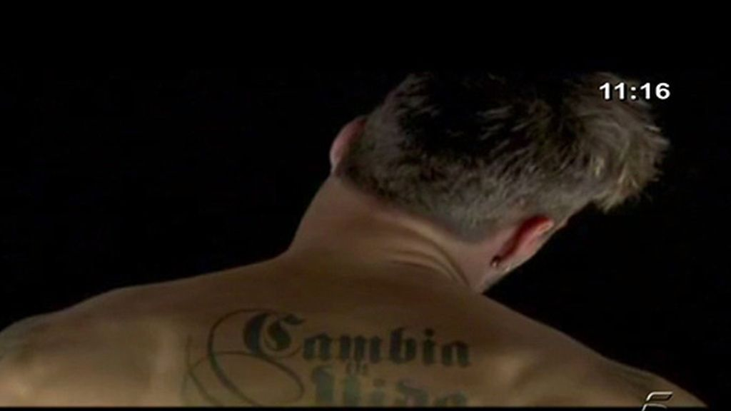 Ricky Martin se desnuda