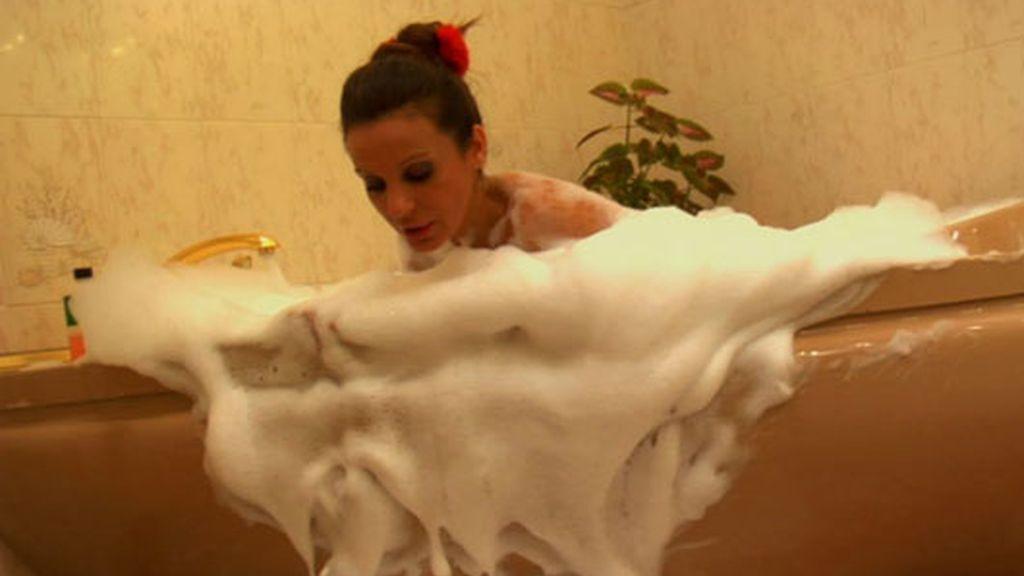 ¡El baño más caliente de Sonia Monroy!