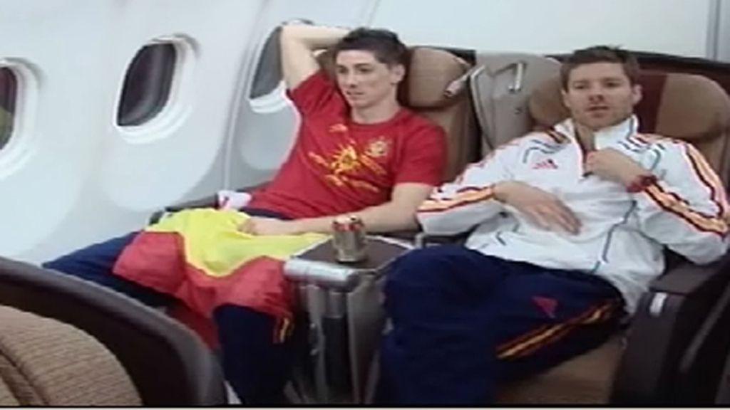 La fiesta de los campeones en el avión