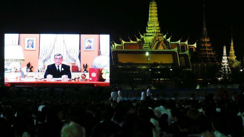 Tailandia da la bienvenida al 2016
