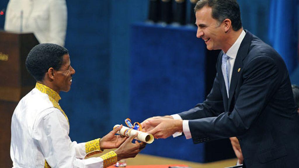 El atleta etíope Haile Gebrselassie tras recibir el premio Príncipe de Asturias de los Deportes