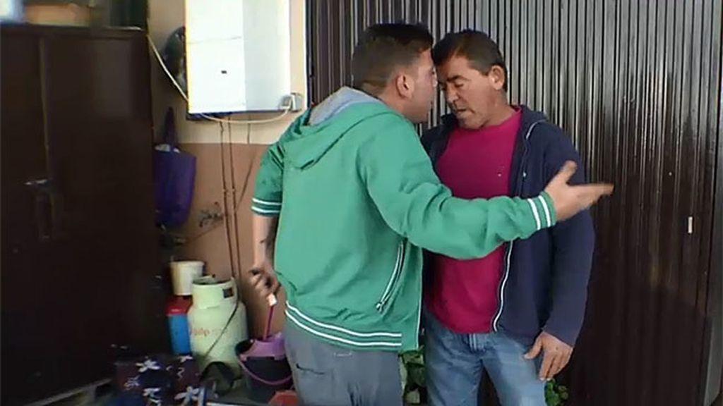 Cristian destroza el invernadero de su padre porque le quitan las llaves del coche