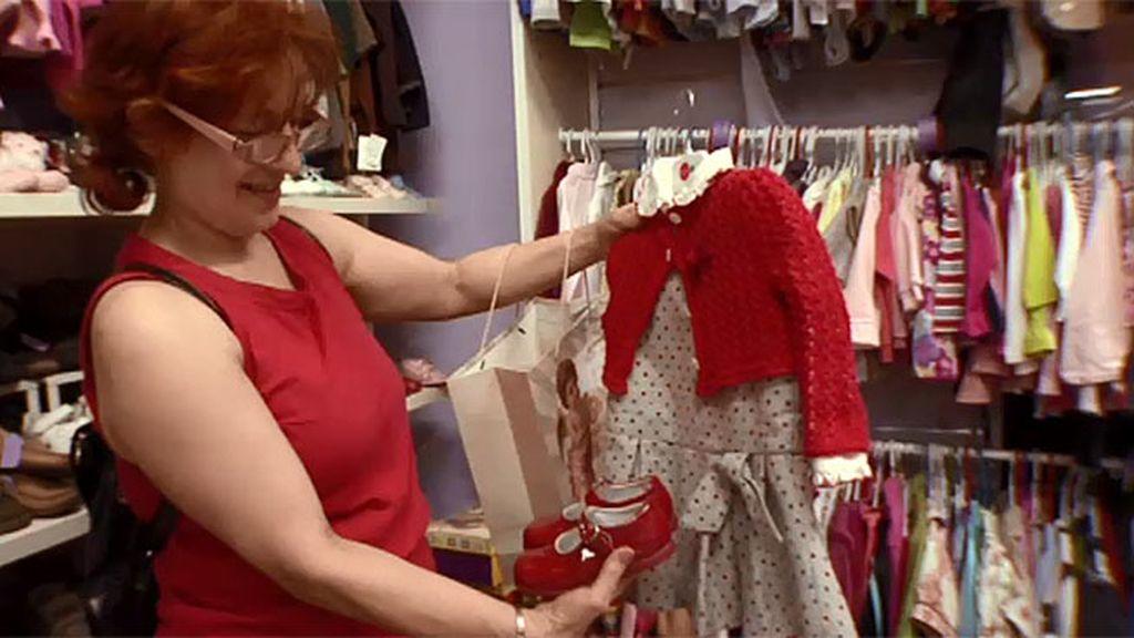 Eva compra ropa y complementos para sus 'bebés reborn' tres veces por semana