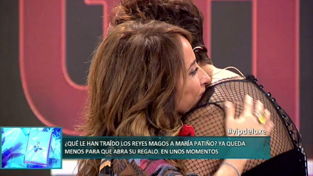 Irma Soriano y María Patiño se funden en un lacrimógeno abrazo