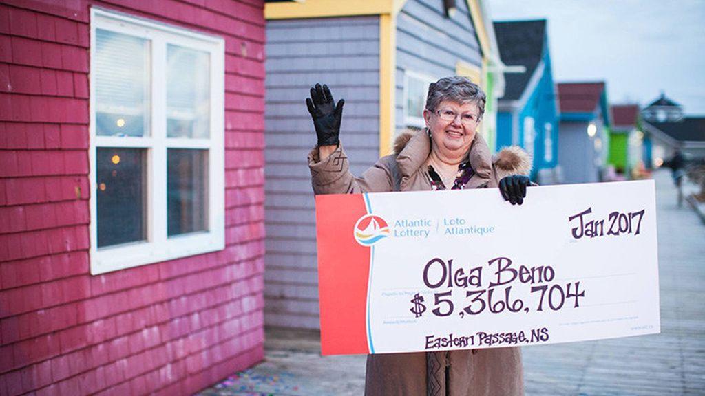 Una mujer gana la lotería con los números que soñó en 1989
