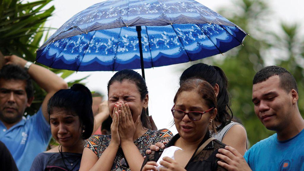 Ultimo adiós a los presos de Manao