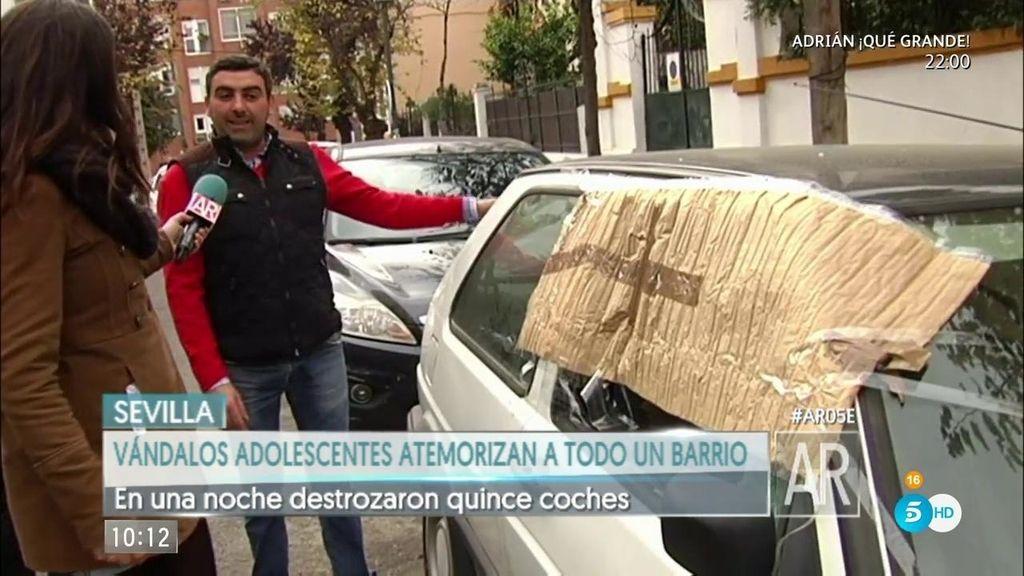 Los vándalos adolescentes que siembran el terror en Sevilla: Destrozan coches, queman contenedores y roban sin parar