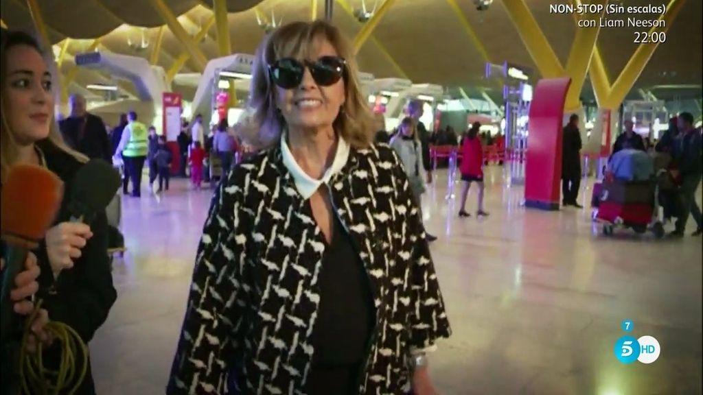 Mª Teresa responde con una sonrisa a las críticas de las 'Campos'