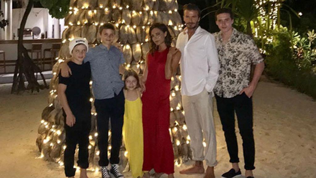 La familia Beckham al completo, recibe al año nuevo sin pasar frío
