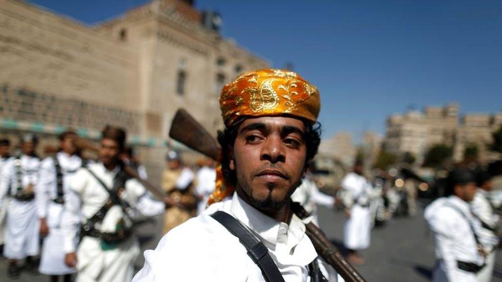 Desfile de los combatientes en Yemen