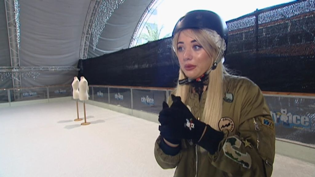 Claudia supera su pánico a patinar para afrontar la prueba de Dulceida