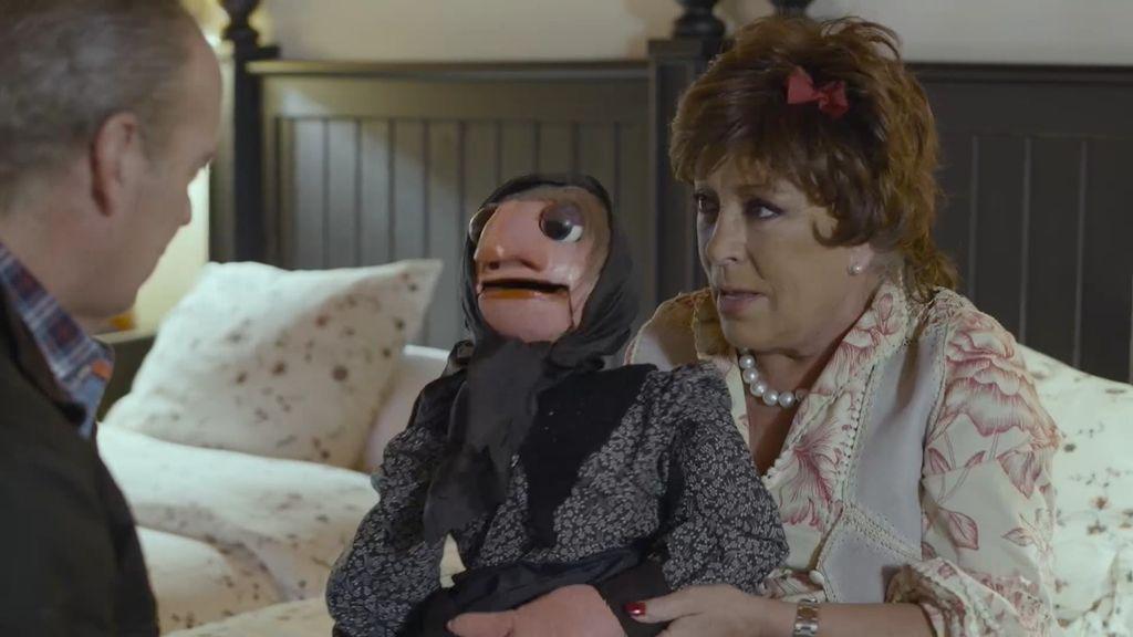 """Doña Rogelia le confiesa su amor a Bertín: """"Llevo toda la vida soñando contigo"""""""