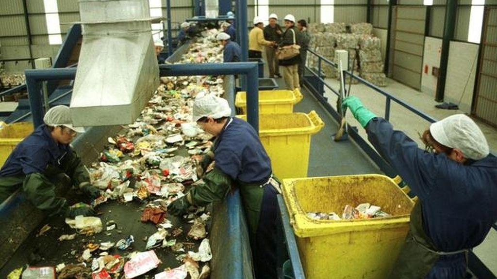 Cada español general una media anual de 1.500 kilos de residuos no minerales