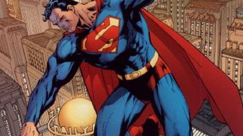 Superman, el mítico héroe americano, renuncia a la ciudadanía estadounidense y despierta una ola de críticas de los sectores más conservadores de EEUU.