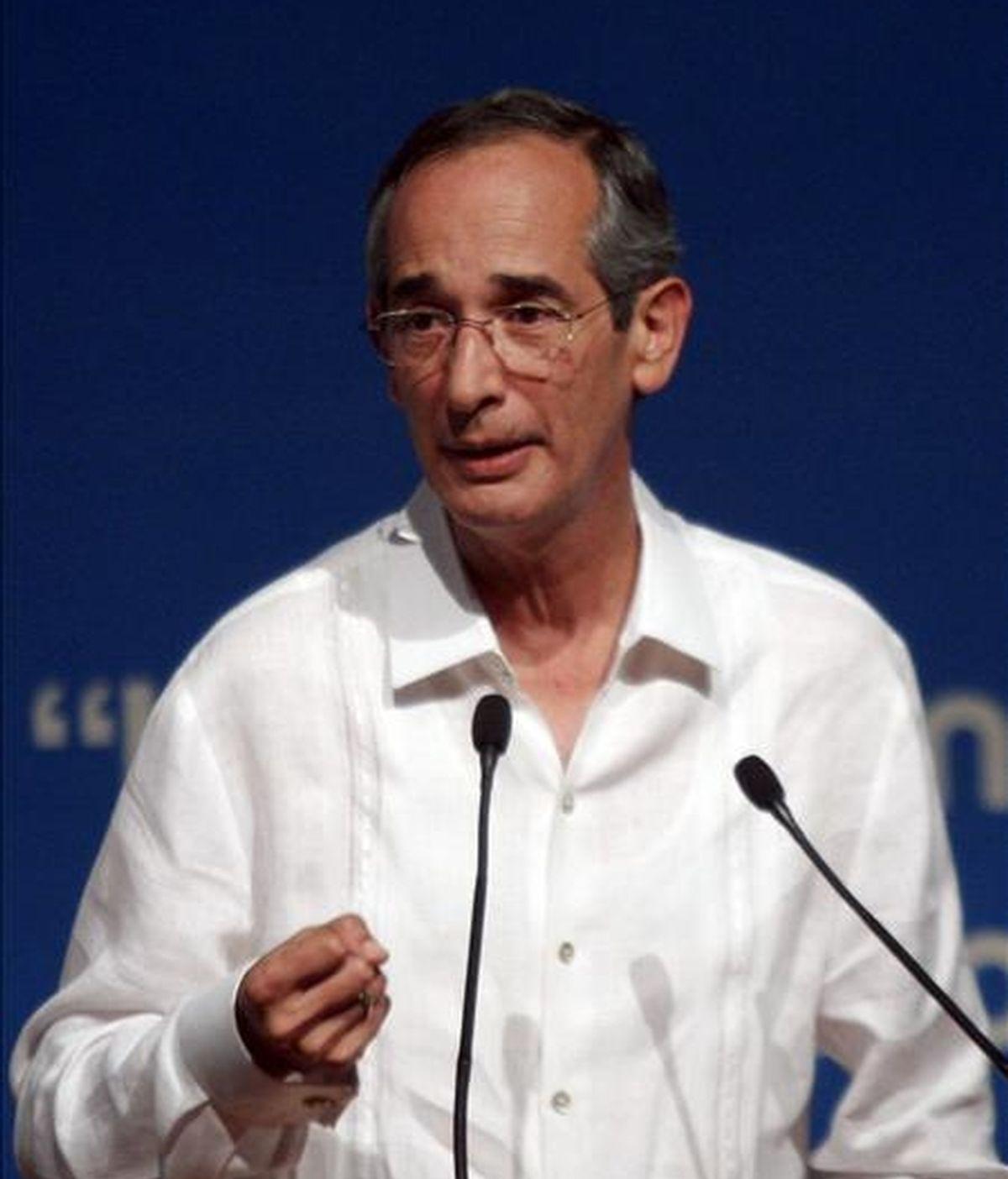 En la imagen, el presidente de Guatemala, Álvaro Colom. EFE/Archivo
