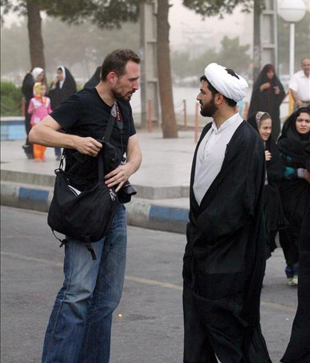"""Fotografía cedida por """"The Washington Times"""" del periodista Iason Athanasiadis, arrestado recientemente por las autoridades iraníes. EFE/THE WASHINGTON TIMES"""
