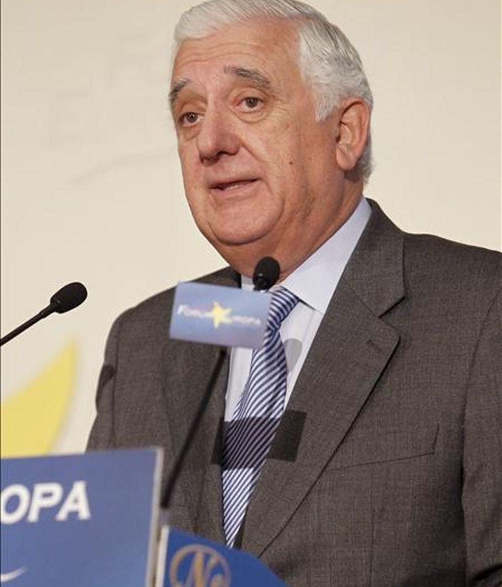 El presidente de la patronal andaluza y candidato a presidir la CEOE, Santiago Herrero, durante su intervención en un desayuno informativo del Fórum Europa, hoy en Madrid. EFE