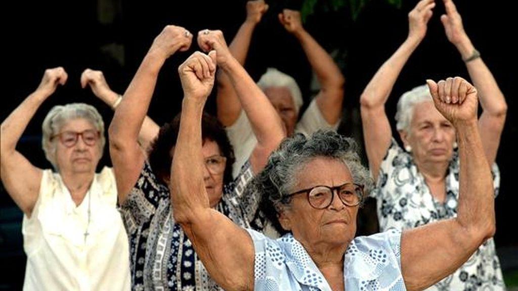 La expectativa de vida, uno de los indicadores utilizados por la ONU para medir el Índice de Desarrollo Humano, puede llegar en Brasil a 81,29 años en 2050, según las proyecciones del Instituto. EFE/Archivo