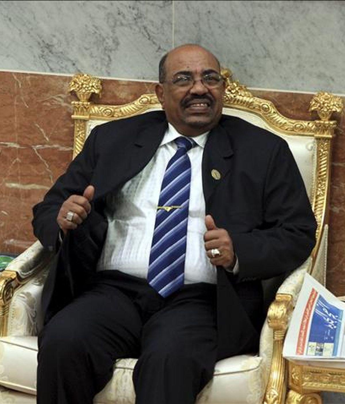La Corte Penal Internacional (CPI) instó hoy a la República Centroafricana a arrestar al presidente sudanés, Omar Al Bashir, al que acusa de crímenes de guerra, en la visita que el mandatario tiene previsto hacer hoy a ese país. EFE/Archivo