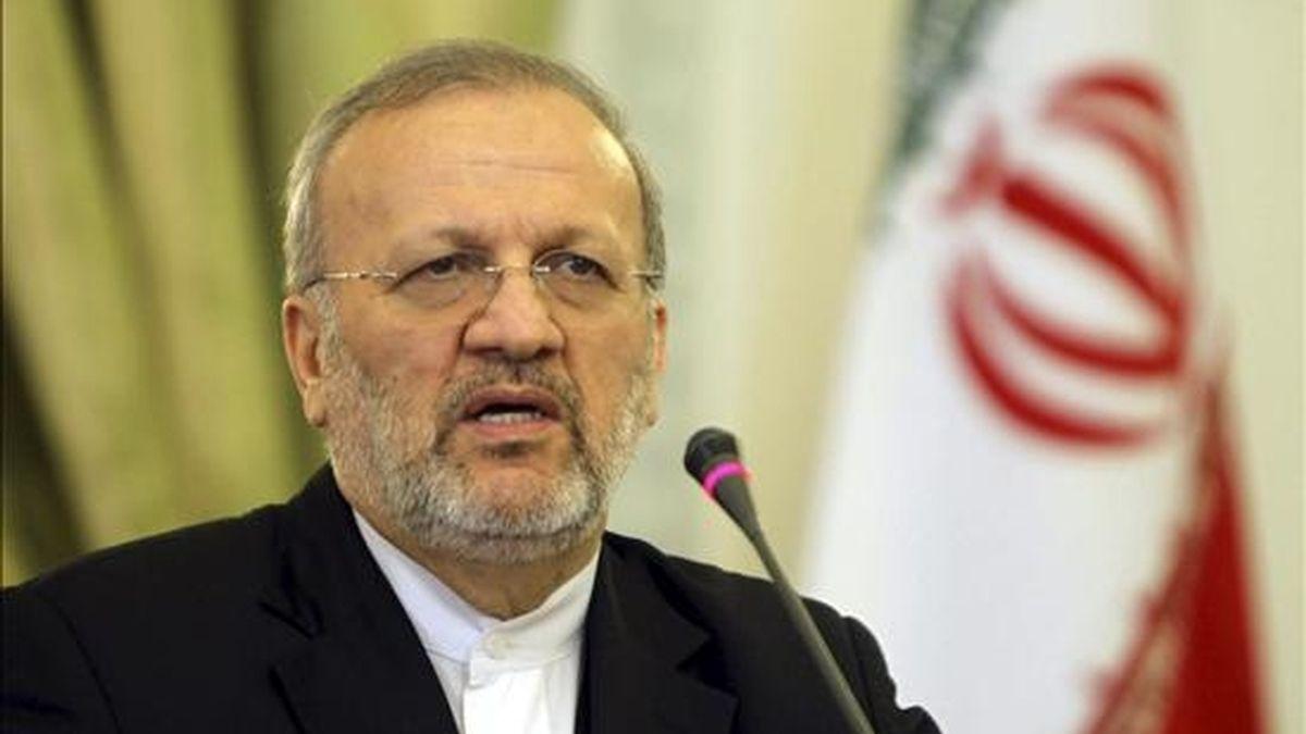 """El ministro iraní de Asuntos Exteriores, Manoucher Mottakí, auguró hoy que Irán se convertirá """"en un futuro próximo en país exportador de combustible"""", hecho que en su opinión demuestra """"el fracaso"""" de la sanciones internacionales. EFE/Archivo"""
