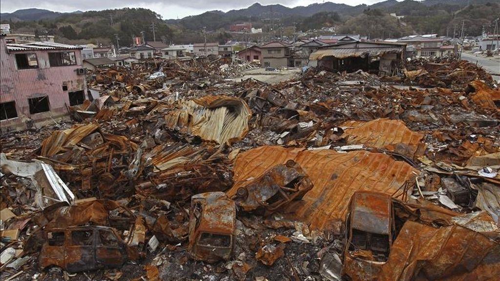 Vista de una zona devastada por el terremoto del pasado 11 de marzo tomada ayer jueves 5 de mayo en la localidad de Kesennuma, prefectura de Miyagi (Japón). EFE