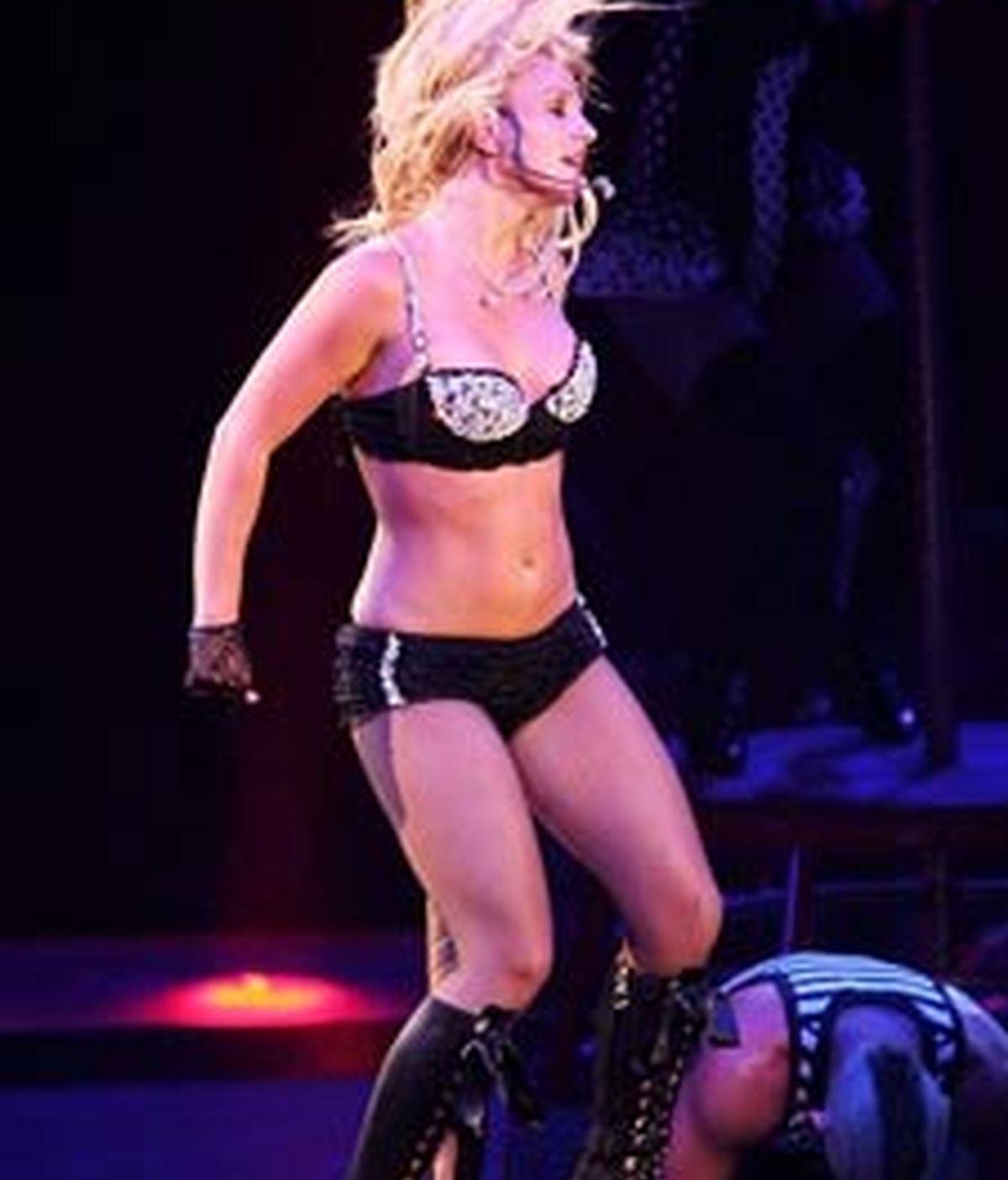 Un momento del espectáculo de Britney Spears. Foto: The Sun