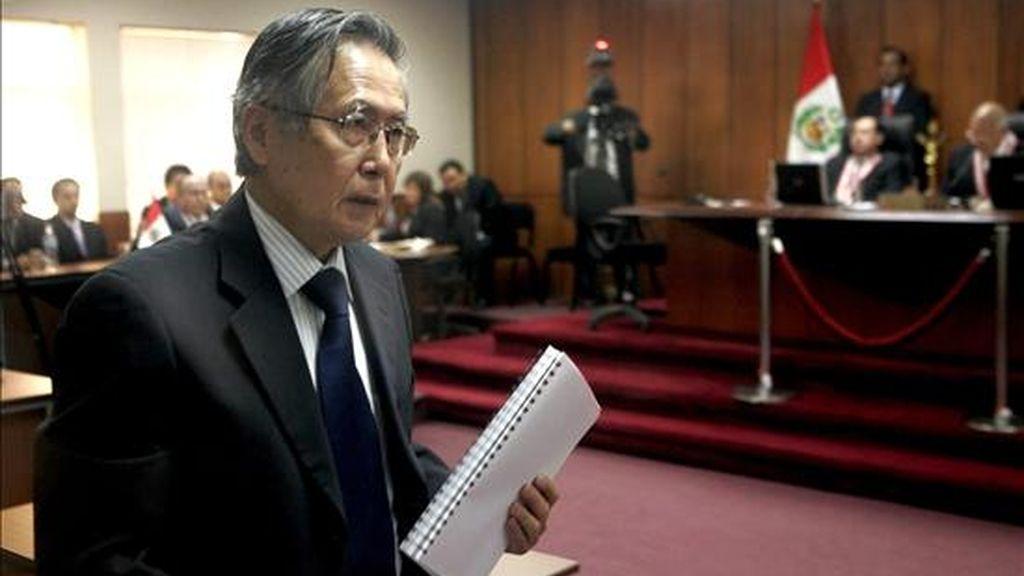 Imagen de este martes del ex presidente peruano Alberto Fujimori, tras ser condenado a 25 años de prisión por la sala penal especial de la Corte Suprema de Justicia que lo procesó por violaciones de los derechos humanos. EFE