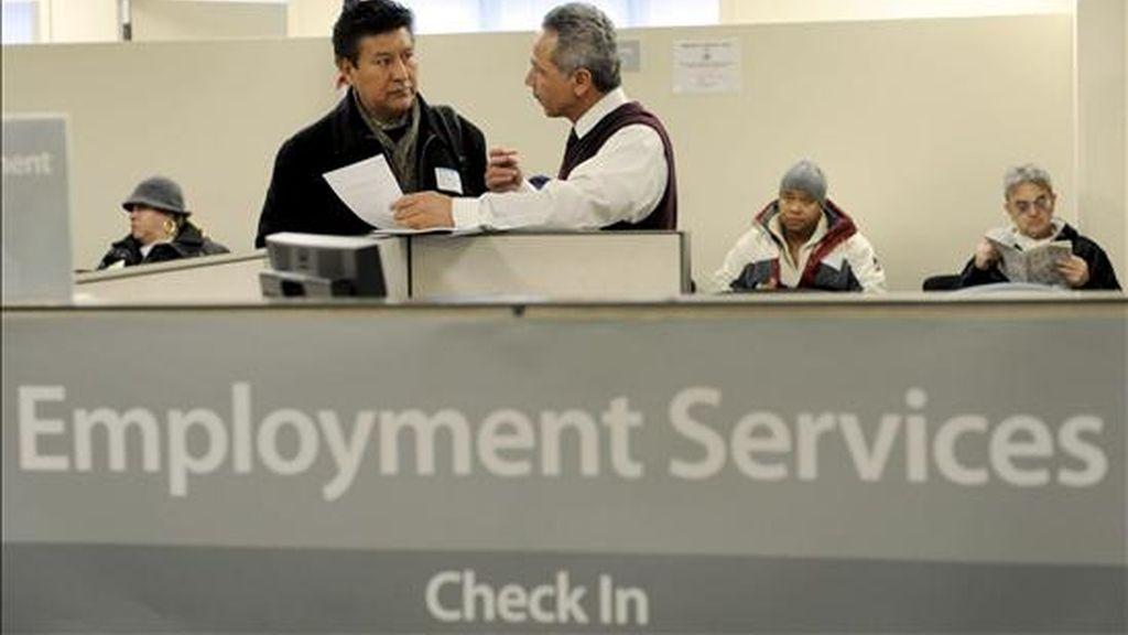 """El documento titulado """"Situación y perspectivas de la economía mundial 2011"""" indica que """"A este ritmo no se podrán reducir mucho los índices de desempleo y la recuperación de los puestos de trabajo perdidos en la crisis que podría alargarse cuatro años"""". EFE/Archivo"""