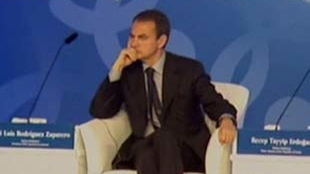 Este martes, Zapatero podría anunciar la remodelación del Gobierno. Vídeo: Informativos Telecinco.