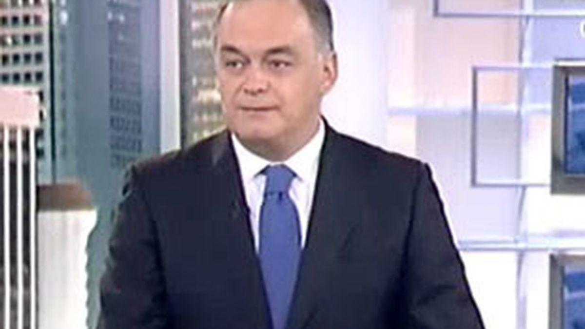 Imagen del vicesecretario de comunicación del PP, Esteban González Pons, durante la entrevista en el Informativo Matinal. Vídeo: Informativos Telecinco.