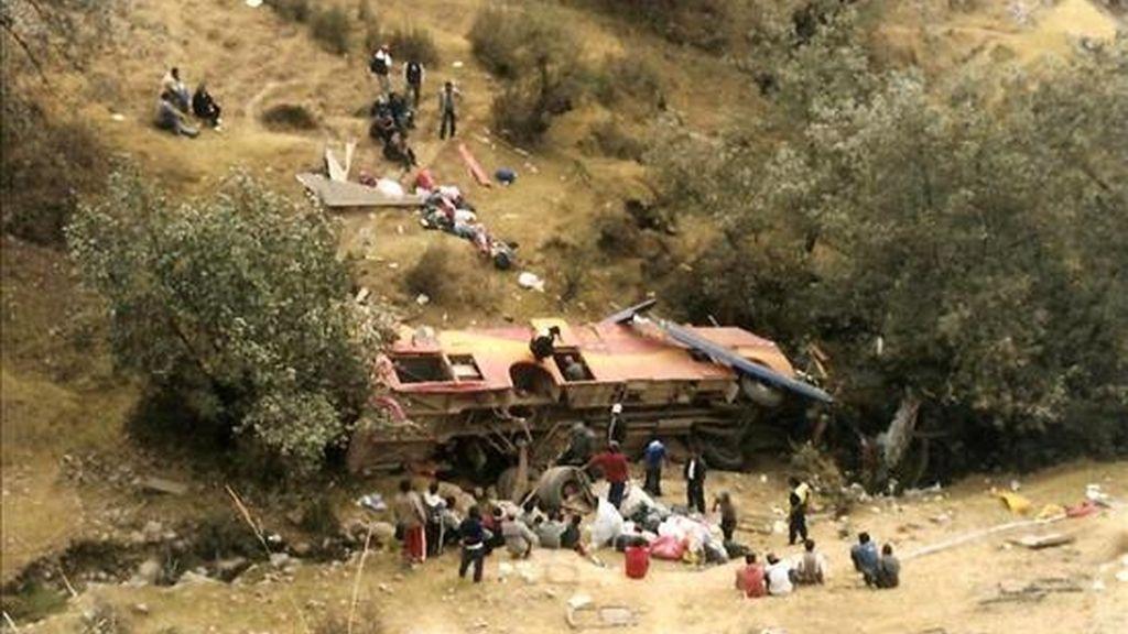 Los accidentes de tránsito sufridos en las carreteras de Perú durante 2008 dejaron 875 muertos y 5.307 heridos, de acuerdo a datos oficiales. EFE/Archivo