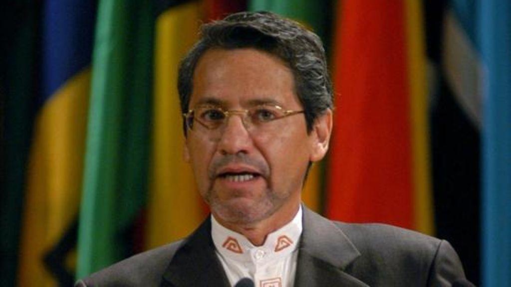 El anuncio sobre la designación de Raúl Vallejo (en la imagen), se produce en un momento en que Correa prepara su primera visita a Colombia, desde que se rompieran las relaciones bilaterales, para llevar ayuda humanitaria a las víctimas de los fuertes temporales que han azotado a ese país en las últimas semanas.  EFE/Archivo