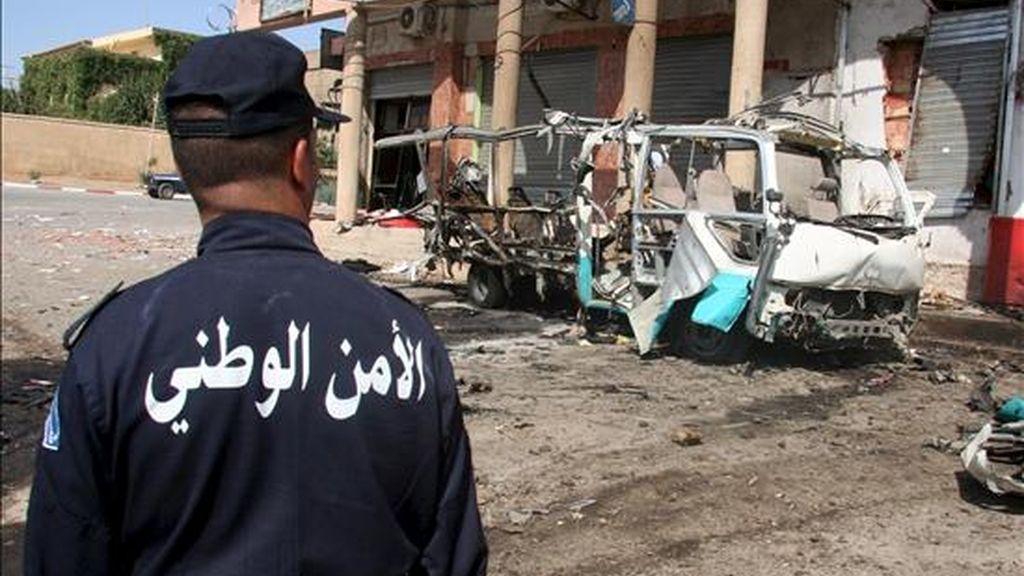 """Los militares argelinos han matado a ocho activistas de la organización terrorista Al Qaeda en el Magreb Islámico (AQMI) en una operación llevada a cabo en la región de Tamanrasset, en el extremo sur de Argelia cerca de la frontera con Níger, informó hoy el diario """"El Khabar"""". EFE/Archivo"""