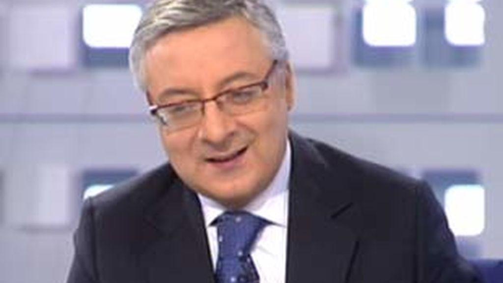 El ministro de Fomento, José Blanco, durante la entrevista en La Mirada Crítica. Vídeo: informativos Telecinco.