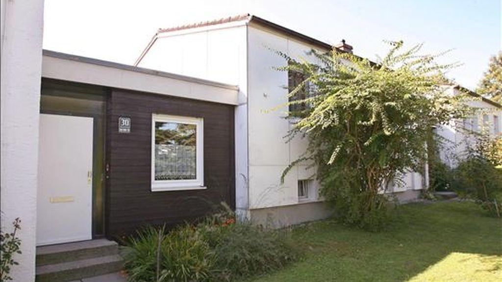 Fotografía de la vivienda de un supuesto criminal de guerra nazi Soeren que fue detenido en Alemania en 2006. EFE/Archivo