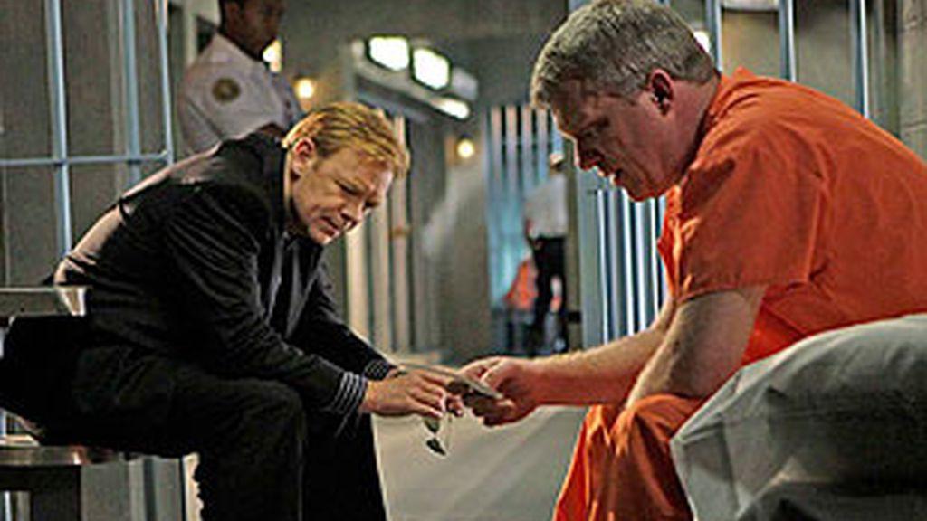 Los forenses trabajan para demostrar la culpabilidad o inocencia de un médico en el corredor de la muerte