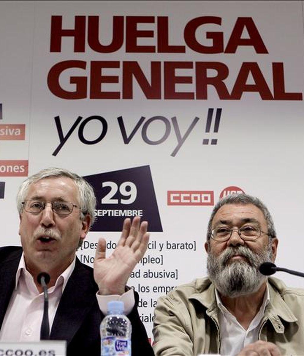 Los secretarios generales de CCOO y UGT, Ignacio Fernández Toxo y Cándido Méndez, ofrecerán hoy en A Coruña una charla conjunta sobre la reforma laboral y los motivos que han llevado a la convocatoria de un huelga general el próximo 29 de septiembre. EFE/Archivo