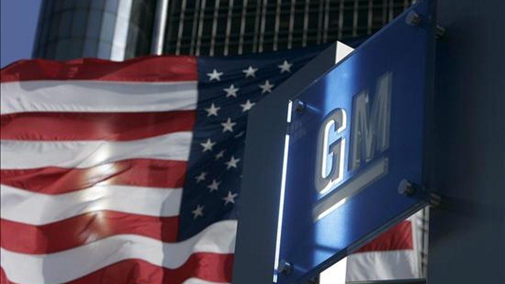 General Motors anunció hoy que reducirá el personal de sus plantas de producción en 10.000 personas durante el 2009. EFE/Archivo
