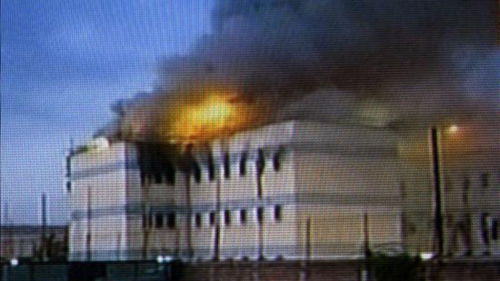 Imagen capturada de un vídeo del incendio en la cárcel de San Miguel en Santiago (Chile) en la que 81 reclusos murieron. EFE